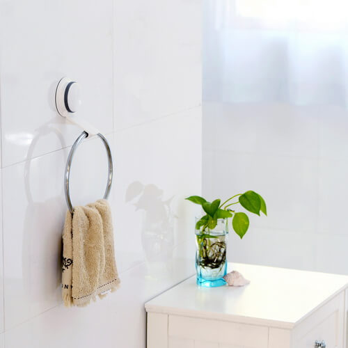 suction cup mounted towel ring 265003 using